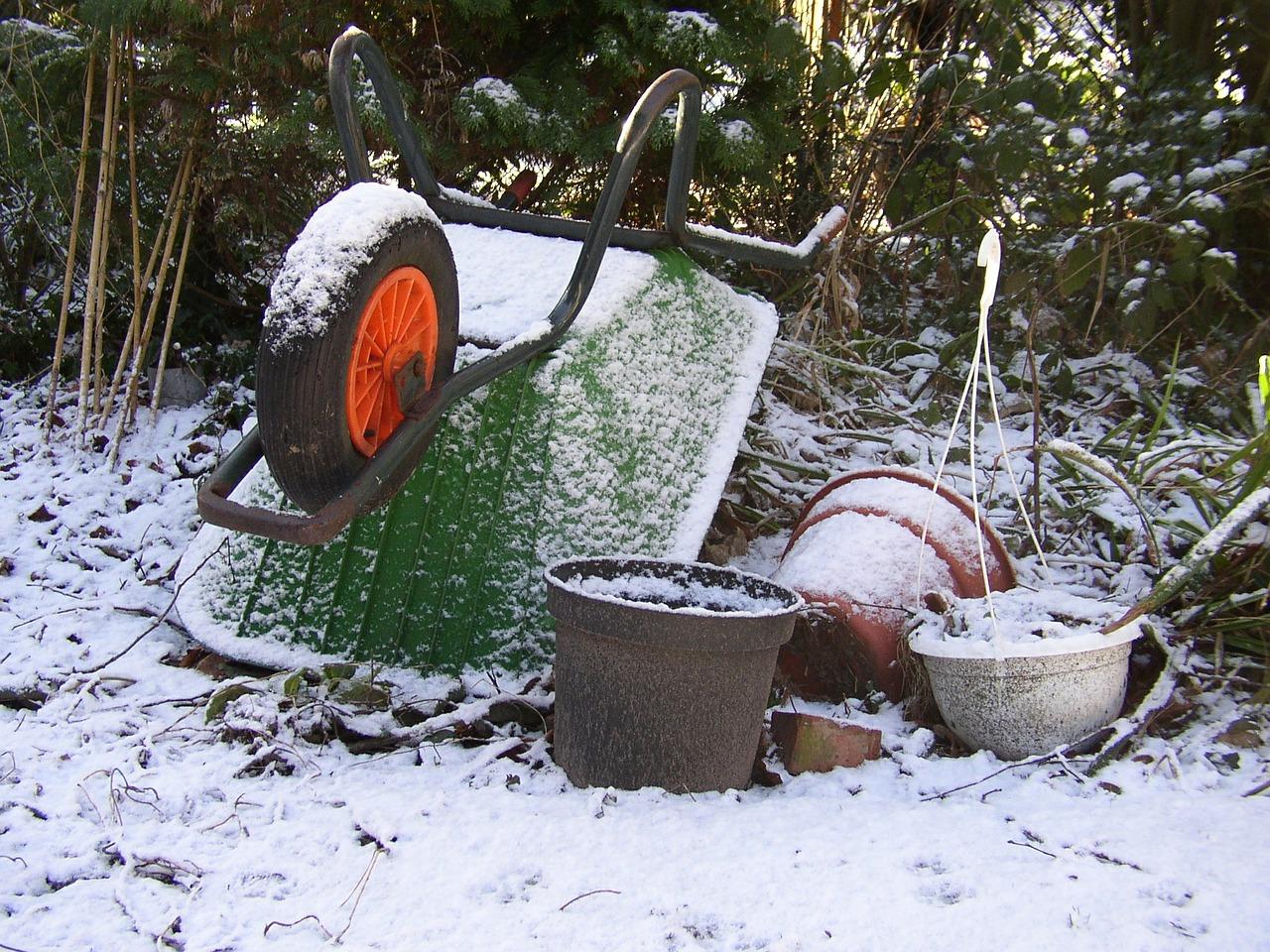 bark mulch suppliers cambridge monthly garden jobs wheelbarrow 421368 1280